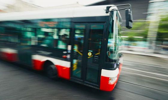 Il rumore del trasporto pubblico può danneggiare l'udito