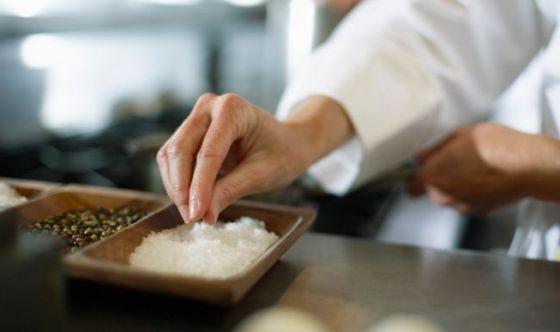 Poco sale nella dieta aiuta a vivere di più