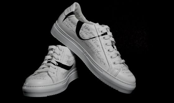 Le scarpe di chi non si ferma