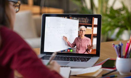 Smart working e lezioni a distanza: a rischio gli occhi