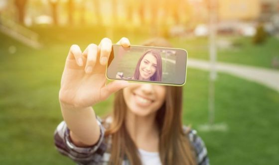 Selfie-mania: le motivazioni in una ricerca