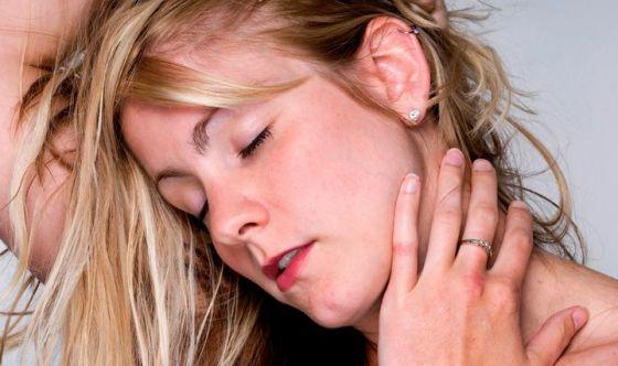Kisspeptina: l'ormone che accende il desiderio nella donna