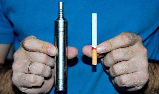 E-cig: per gli svapatori è meglio della sigaretta, purché...