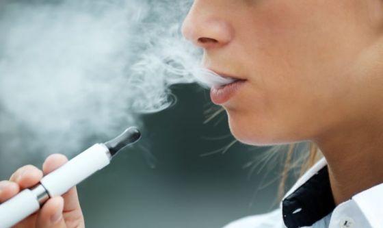 Meno fumatori anche grazie alle sigarette elettroniche