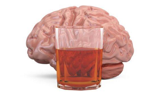 L'alcol ripulisce il cervello dalle sostanze di scarto