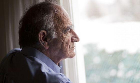 Come aiutare gli anziani a combattere la solitudine da Covid