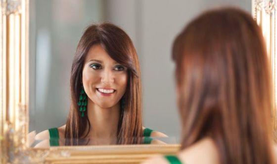 Guardarsi allo specchio giova sensibilmente alla linea