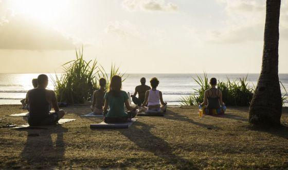 Yoga solo all'aperto? Ecco l'equipaggiamento minimal
