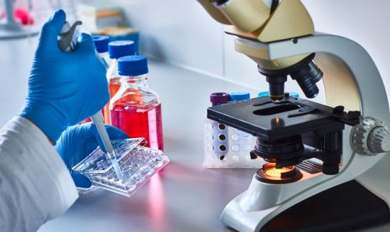 Tumori: Agenzia del Farmaco approva prima terapia Car-T