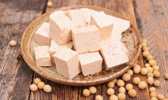 Cos'è il tofu e perché dovresti introdurlo nella tua dieta