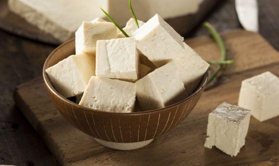 Le proprietà del tofu e come cucinarlo
