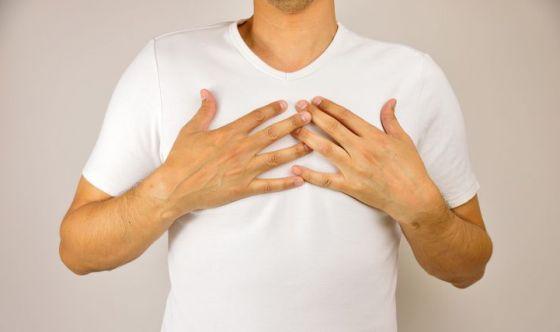 Tumore al seno: può colpire anche lui