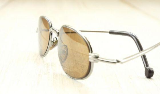 Tutte più belle con gli occhiali colorati: come sceglierli?