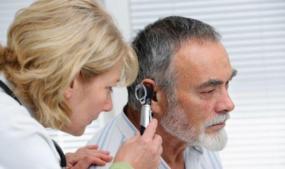 Calo dell'udito e demenza: dimostrato il circolo vizioso