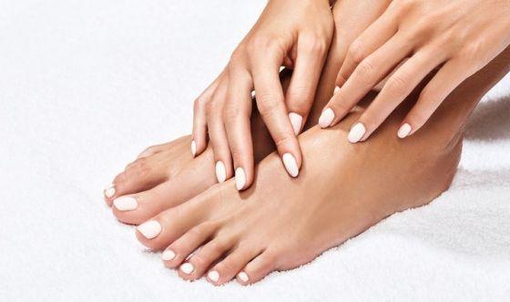 Come curare le unghie nere naturalmente
