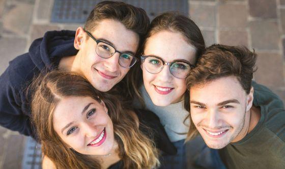Adolescenti: prospettive in chiaro scuro