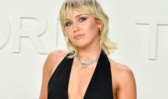 Miley Cyrus dice addio alla dieta vegana