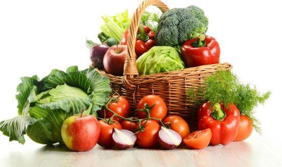 Frutta e verdura: crude è meglio, ecco perché