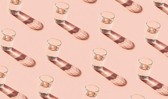 Acqua 8 bicchieri al di e vino 1 bicchiere ogni 15 giorni