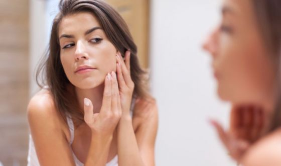 La vitamina B12 può indurre acne