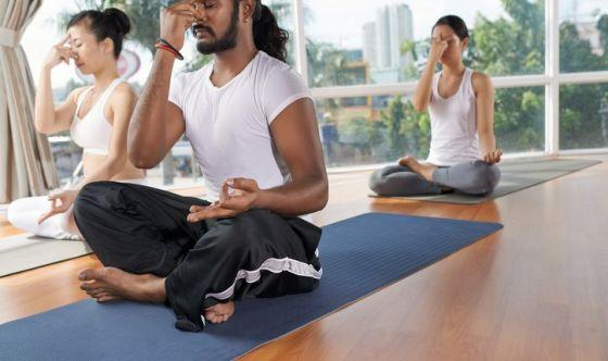 Lo  yoga in tempi critici