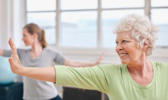 Lo yoga per spegnere i disagi causati dall'artrite