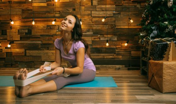 Come prepararvi alle Feste con lo Yoga