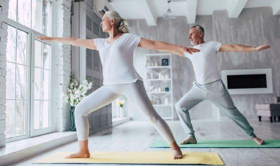 Lo yoga e gli anziani: ottima combinazione