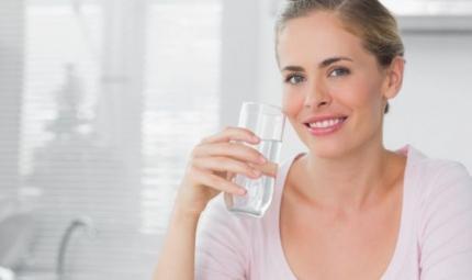 Come aumentare il metabolismo? Bevendo acqua!