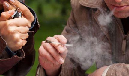 Gli adolescenti e il consumo di cannabis