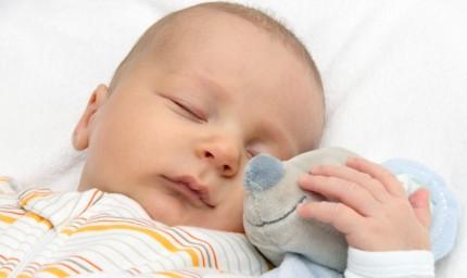 Bambini, tonsillectomia e apnee nel sonno