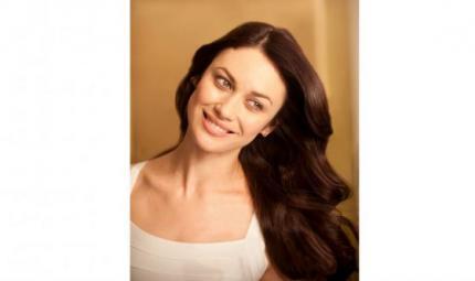 Olga Kurylenko: per capelli bellissimi serve costanza