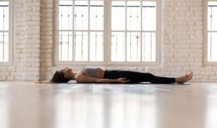 Insonnia e disturbi del sonno, affrontarli con lo yoga