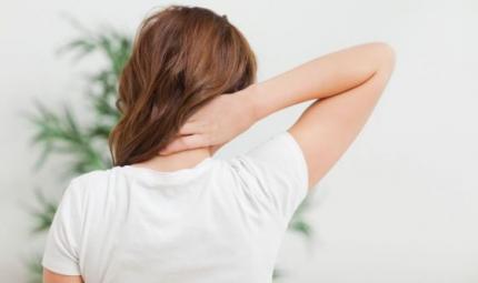 Il dolore cervicale: quali terapie e rimedi adottare