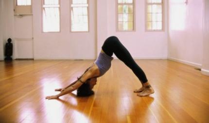 Trill Yoga, la pratica che sta conquistando il web