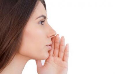 Disturbi della voce e omeopatia: i consigli dell'esperto