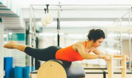 Il Pilates per affrontare i dolori mestruali