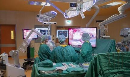 Delicato intervento per rimuovere un tumore cerebrale esteso