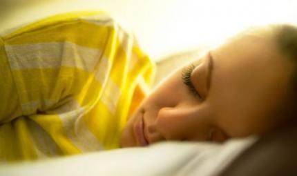 Troppa luce notturna aumenta i rischi di cancro al seno