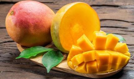 Il mango: un frutto dolcissimo che apporta molti benefici