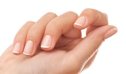 Manicure impeccabile in 6 passi
