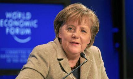 Meno 10 chili per la Merkel
