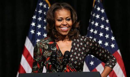 Michelle Obama a 50 anni: yoga sì, bisturi mai dire mai