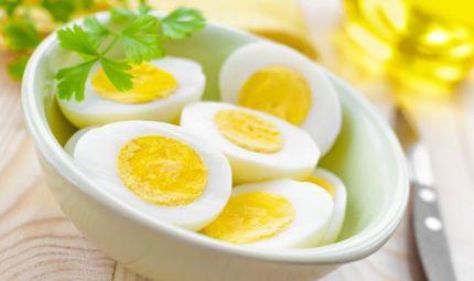 Migliorare l'attenzione con uova e spinaci