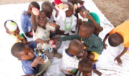 Alla Milano Marathon una relay corre per i bimbi del Congo