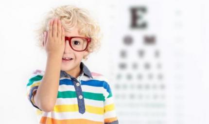Preoccupa il costante aumento dei giovani miopi