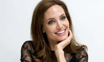 Angelina Jolie ha avuto la paralisi di Bell