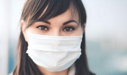 Mascherina: mai più senza. Come proteggere la pelle