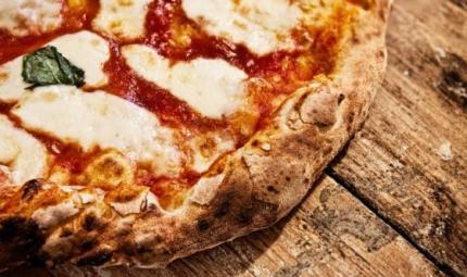 Gli italiani mangiano pizza almeno una volta  a settimana
