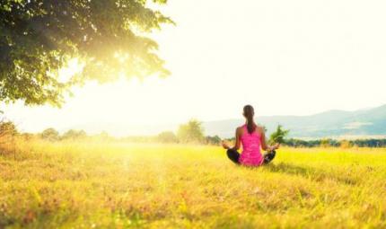 I consigli per praticare yoga all'aperto
